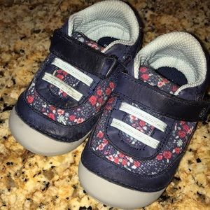 Shoes - Stride rite jazzy soft motion